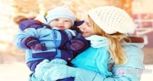 9 Consigli per l'abbigliamento per tenere il bambino al caldo durante l'inverno