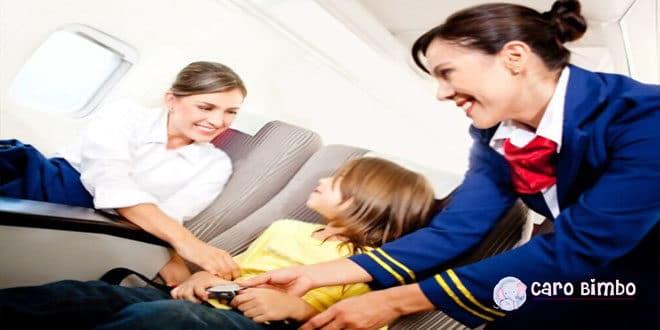 Consigli per i viaggi aerei con neonati e bambini