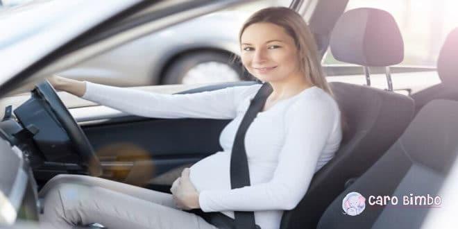 Donne incinte al volante: tutto quello che dovete sapere