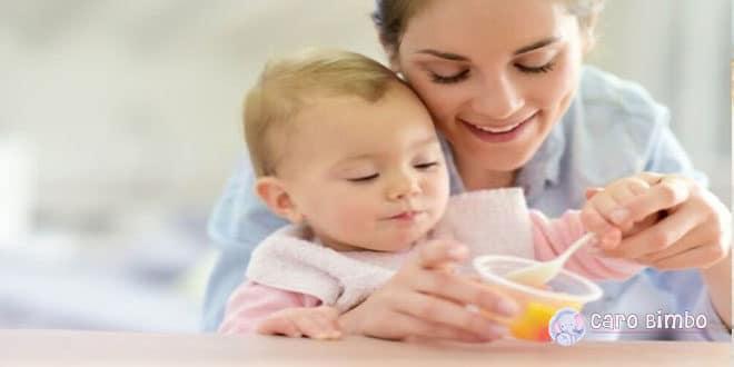 Come si fa a introdurre con successo nuovi alimenti nella dieta del tuo bambino?
